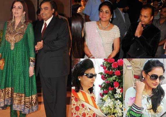 Wedding Pictures Of Bollywood Stars http://www.indiatvnews.com/business/india/bollywood-stars-glitter-at-mukesh-ambani-s-party-at-antilla-4143.html