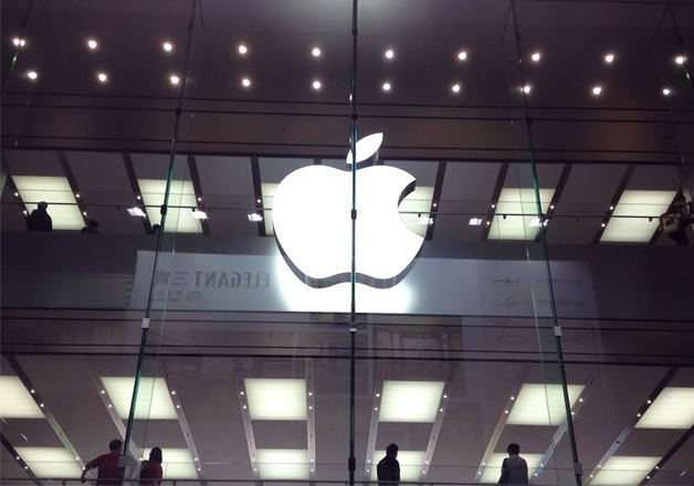 Apple plans to cut discounts on iPhones before launching Stores in India | India TV News