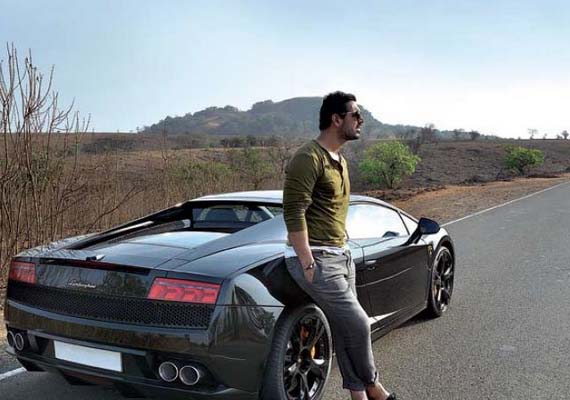 John Abraham buys a black Lamborghini Gallardo [Pictures and Details]