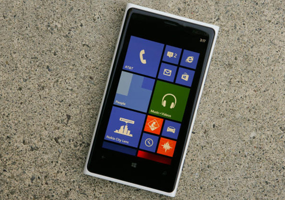 Nokia gives Lumia 920 a price cut, now costs only Rs 32,699