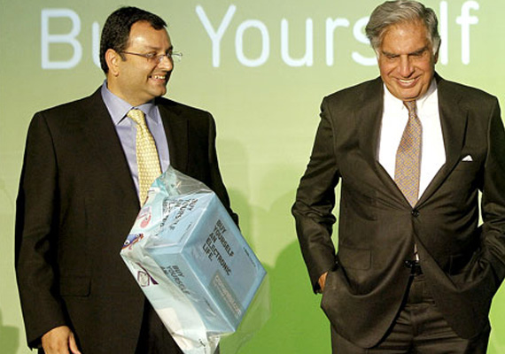 Ratan Tata's bye-bye on Dec 28, tells Cyrus Mistry 'be your own man'
