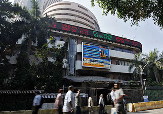 IT stocks amid sustained foreign capital inflows and firm global cues