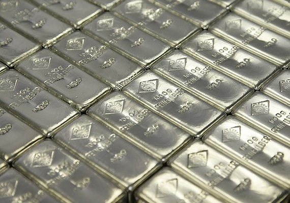 Silver Zooms Up By Rs 1950 To Rs 55,500