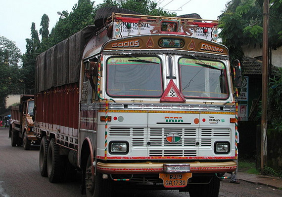 Transporters hike truck freight by 15% across India