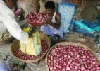 Cabinet secretary holds meeting to review prices of onions, pulses