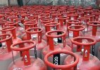 Govt plans to introduce 2 kg cooking gas cylinder for poor and needy