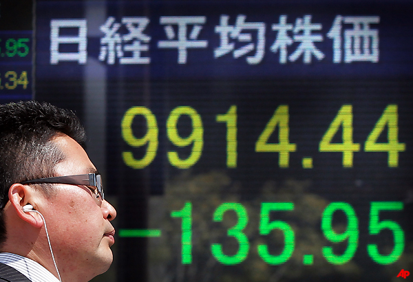 Asia Stocks Fall As Europe Debt Woes Flare Anew