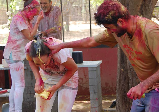 weird holi people 6