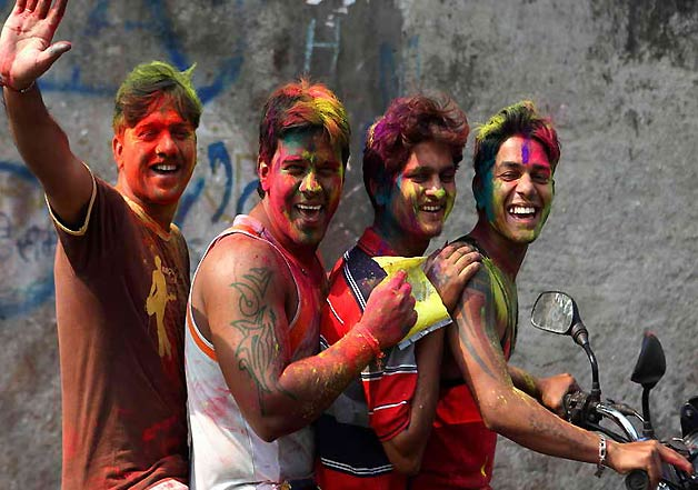 weird people on holi 7