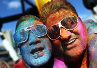 9 hilarious fanatics we encounter on Holi!