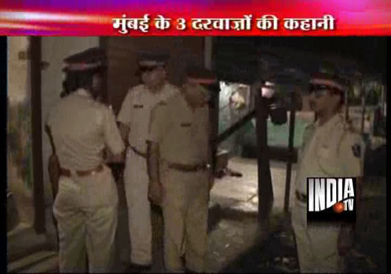 Mumbai policemen use hammers to break open 3 doors, 21 sex workers held