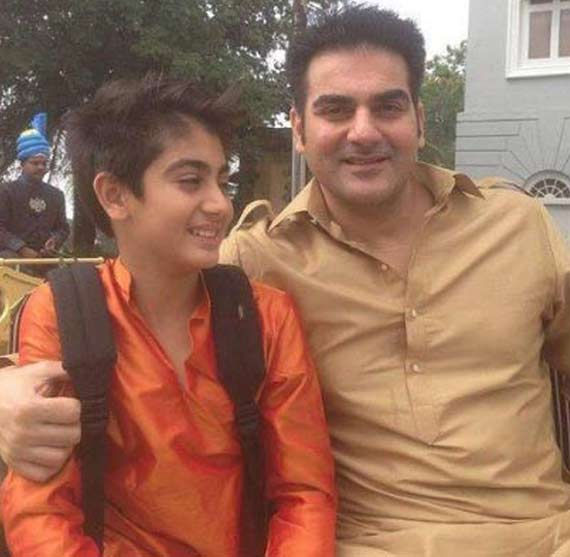 arbaaz khan with son arpita khan wedding