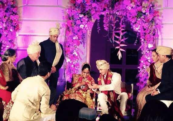 arpita wedding stage