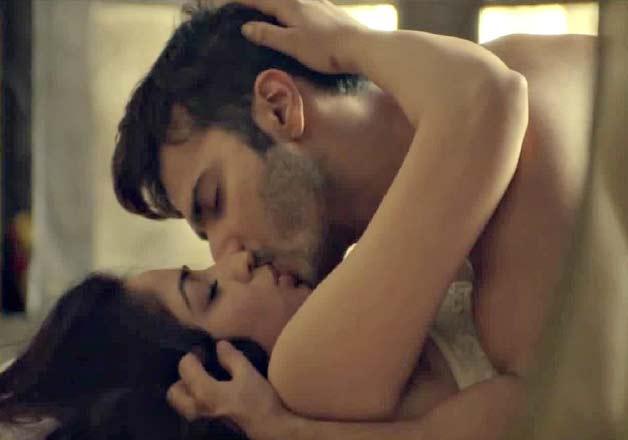 Radhika apte hot seen 8