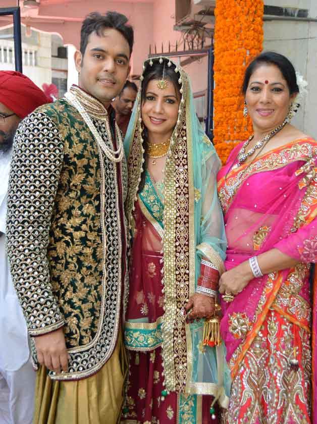 Genelias Brother Nigel Dsouzas Wedding Pics Indiatv News