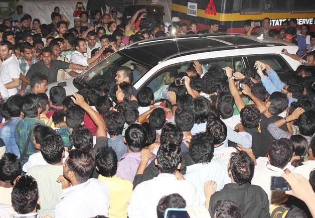 Salman Khan reaches home