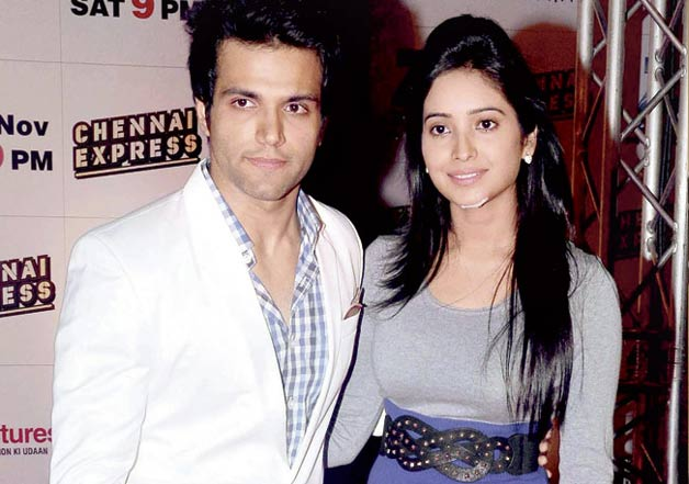 Are rithvik and asha negi dating