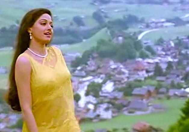 Chandni Movie 5 best looks of...