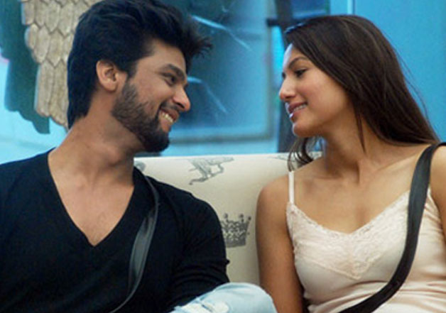 Exes Kushal Tandon & Gauahar Khan Exchange Bitter Words on Twitter