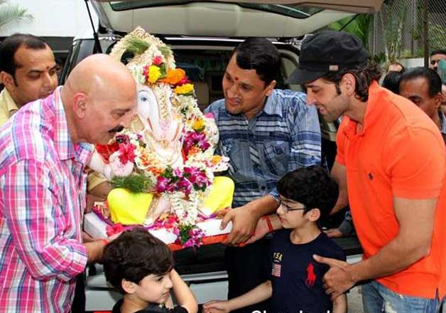 Hrithik-Sussanne celebrate Ganesh Puja with their sons ...