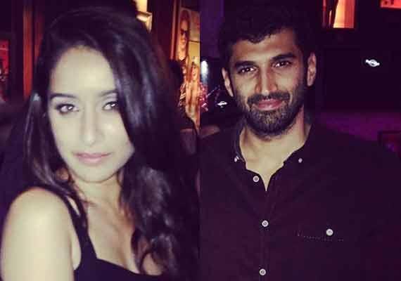 Aditya Roy Kapoor-Shraddha Kapoor spotted partying at Hard Rock' (view pics)