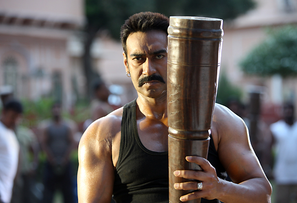 Ajay Devgn lifts 25 kg weight to show he is the real Bollywood Hulk
