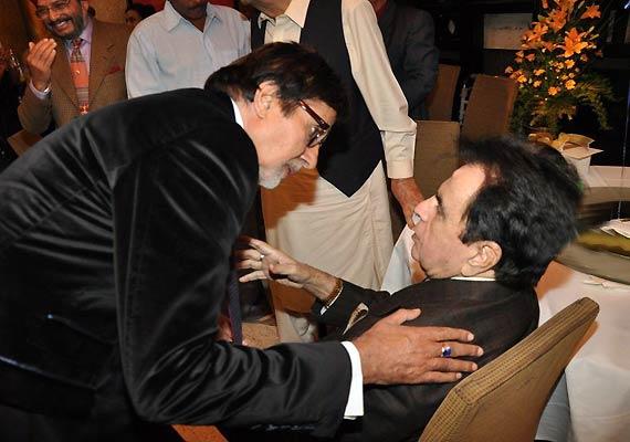 Bachchan Deserves An Oscar, Says Dilip Kumar