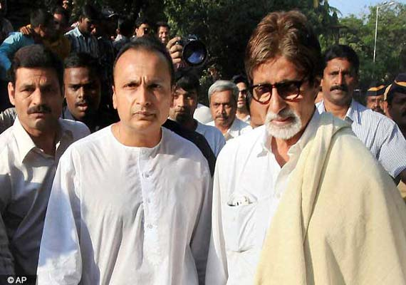 Big B praises discipline of Shiv Sainiks