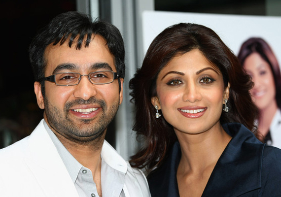 Bollywood greets new mom Shilpa Shetty