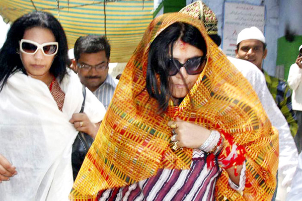 Ekta Kapoor prays at Ajmer Sharif for success of new film