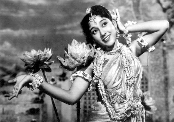 Mala Sinha turns 76, few facts about Bollywood's former heroine