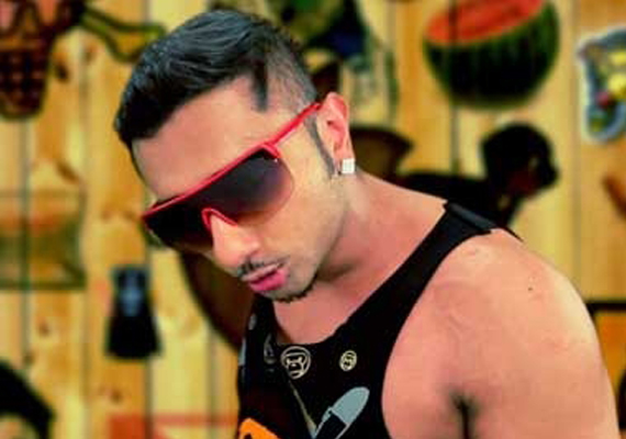 Honey Singh sings 'Brown rang' for 'desi girl' Priyanka