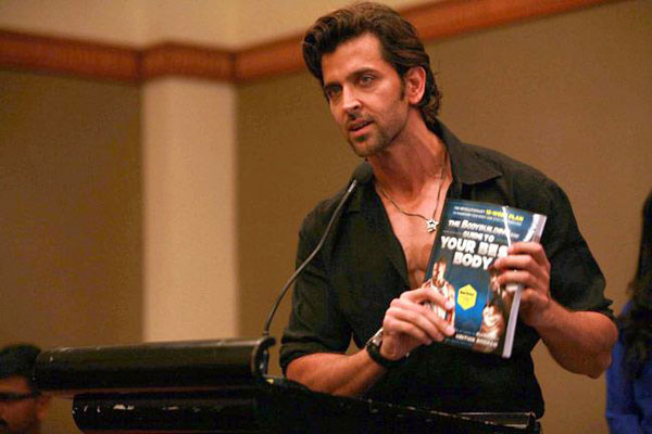 Hrithik Roshan releases book 'Guide to your best body' (View pics)