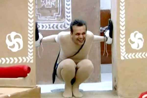 Imam Siddique thrown out of the Bigg Boss house after his nude act