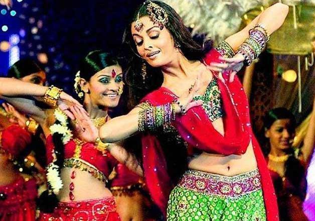 Aishwarya Rai Dance Performance ISL 2015 opening ceremony pics images