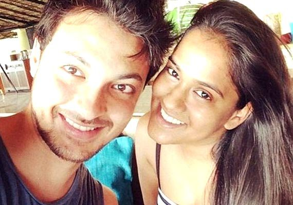 Arpita Khan-Ayush Sharma's cosy moments together! (see pics)
