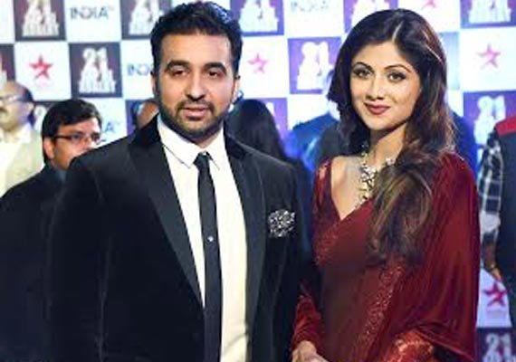 #21YearsofAapKiAdalat: Shilpa Shetty fails to make Rajat Sharma dance (see pics)