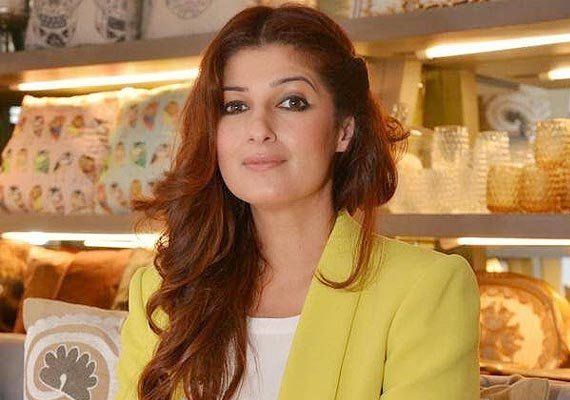 Twinkle khanna debuts on twitter as 39 mrsfunnybones 39 for Interior designs by twinkle khanna