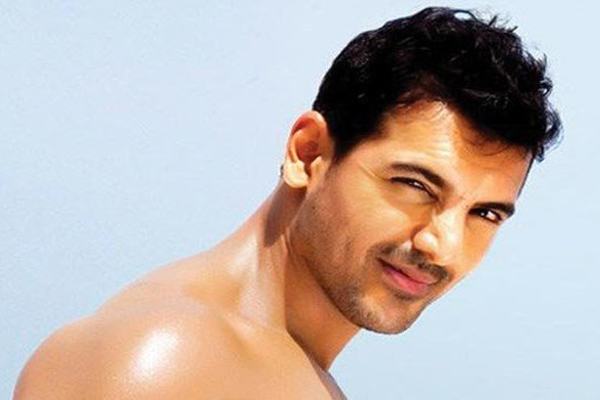 Rash driving case, HC upholds 15-day jail term to John Abraham