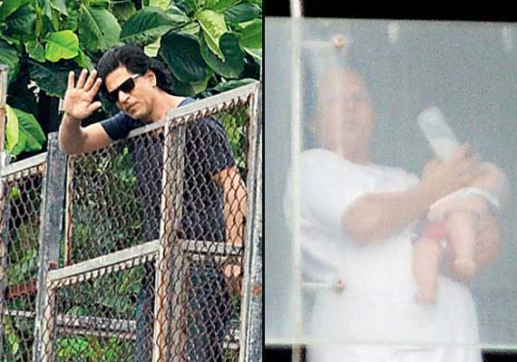 Shah Rukh Khan's son AbRam's first picture out (view pics)