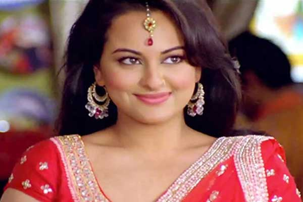 Sonakshi's ban on bikini and steamy scenes
