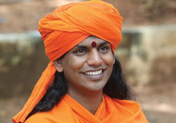 Swami Nithyananda being persuaded to join Bigg Boss