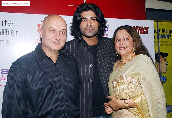 kirron kher wishes success for son sikanders tere bin