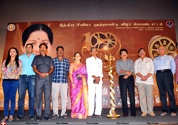 41 legends honoured at centenary celebrations of Indian cinema