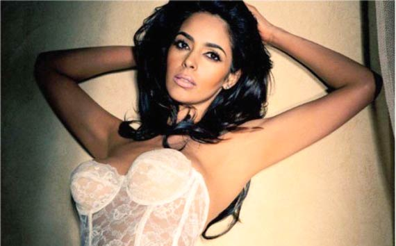Hot Mallika Sherawat to speak at Oxford University (see pics)