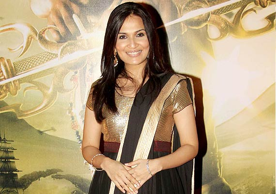 Soundarya Rajinikanth speaks over how it feels to be Rajinikanth's daughter