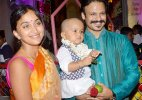 Vivek Oberoi daughter's first picture out! (pic inside)
