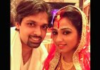 Shreya Ghoshal marries best friend Shiladitya in a hush-hush ceremony!