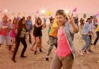 Mika,Varun Dhawan charge up youth at VFest in Goa