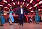 Karan Johar's farewell performance on Jhalak Dikhla Jaa is a must-watch! (Watch Video)